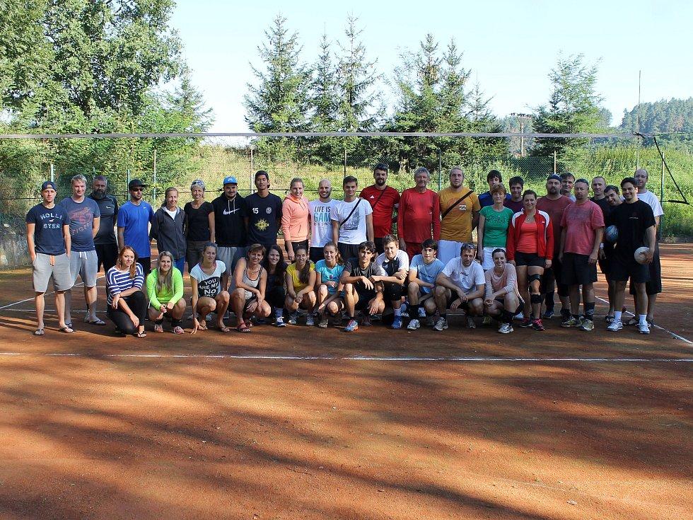 Z volejbalového turnaje v Horní Kamenici.