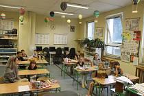 Předání vysvědčení žákům ZŠ Prapořiště předcházel bohatý program plný her, zpěvu a oceňování výkonů žáků za 2. pololetí tohoto školního roku.