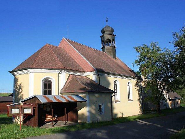 Kostel sv. Jana Křtitele v Maxově.