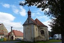 KAPLE SV. JUDY TADEÁŠE ve Štítarech z r. 1705 jako památka rozhodně nevypadá.