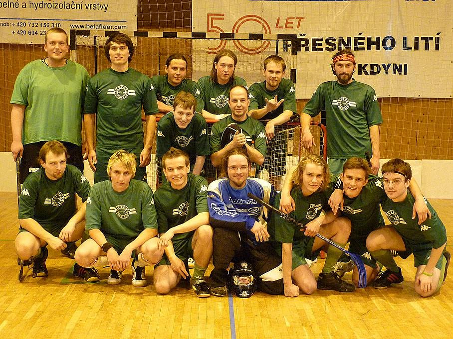 Druhé místo Chodské florbalové ligy 2009/10 získali hráči FbC Stod.