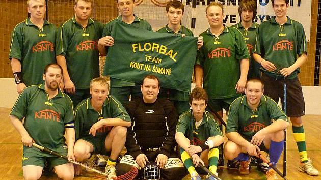 Třetí místo v Chodské florbalové lize 2009/10 obsadili hráči FC Kout na Šumavě.