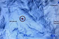 Zemětřesení na Domažlicku. Epicentrum bylo dle propočtů v červeně označeném místě.