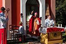 Ze slavnostního vysvěcení obnovené kaple v Kocourově.