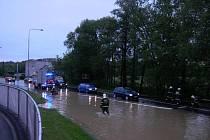 Takhle to vypadalo v Masarykově ulici v Domažlicích v neděli v 19.00 hodin.