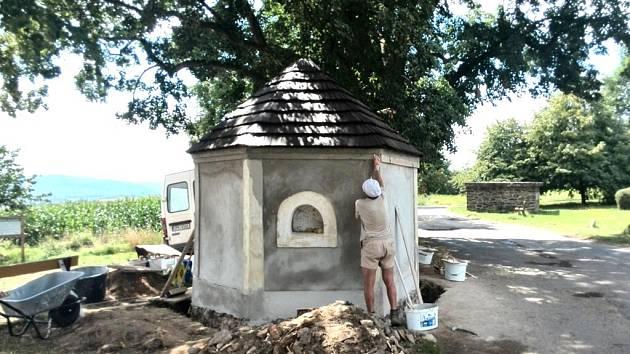 Oprava kaple na Baldově.