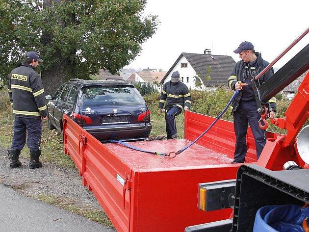 Staňkovští hasiči před komisí obstáli.
