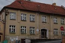 Budova Základní školy v Koutě na Šumavě.