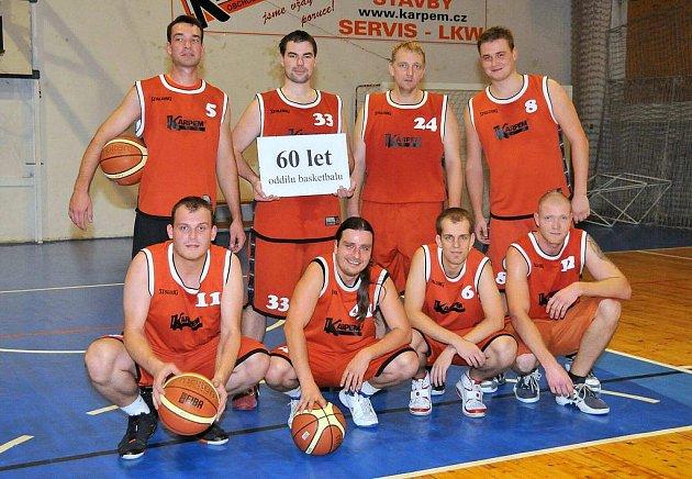 Z oslav šedesáti let basketalu v Holýšově.