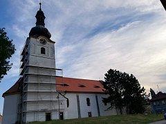 Na opravu se zároveň pořádá sbírka. Stále chybí 200 tisíc korun.