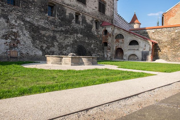 Jižní zahrada zámku.