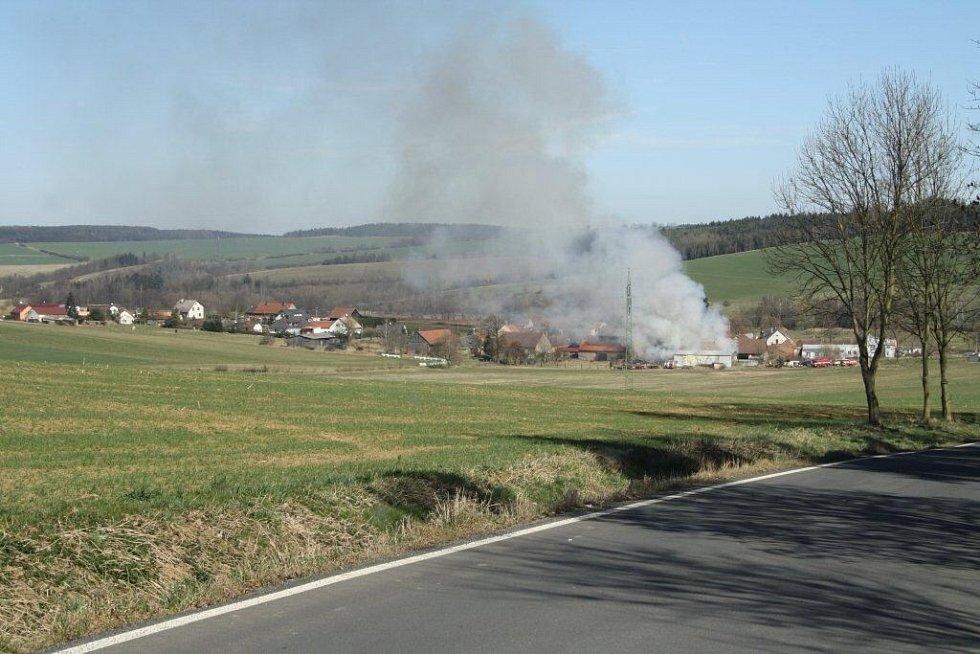 Požár v Sedlicích u Zahořan.