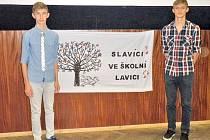 Domažličtí zpěváci Patrik (vlevo) a Hynek Hradečtí si z brněnské soutěže přivezli dvě ocenění.