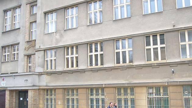 Pokud se poběžovickým podaří získat dotace, pustí se na jaře do opravy základní školy za téměř třicet milionů korun