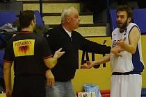 Atmosféra při zápase basketbalistů Jiskry ve Strakonicích. Zlatý Baník!