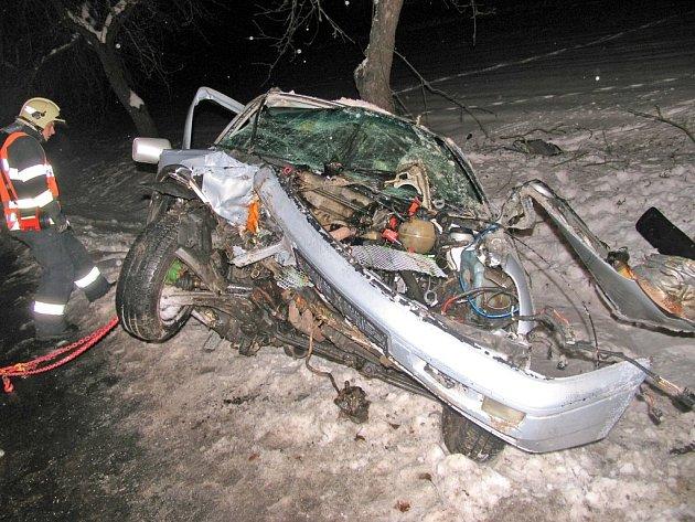 Vážná dopravní nehoda u Březí.