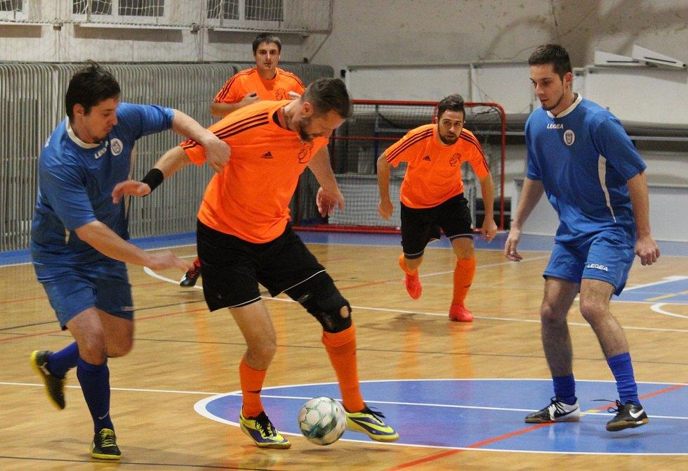 Soccer Cup 2020: turnaje se zúčastní i SK Slovan Kvíčovice (v modrém) stejně jako zimního Golden Cupu stejného organizátora Jana Zavadila.
