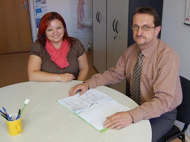 Na přípravě rekvalifikačního kurzu spolupracovali ředitelka SOU Zdeňka Buršíková a Milan Polák z Úřadu práce.