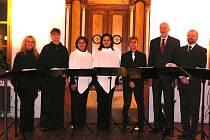 Singtet. Horšovskotýnská vokální skupina umí navodit opravdu sváteční atmosféru.