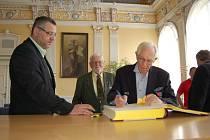 Z návštěvy Roberta Gilberta, velitele jednotky, která v květnu 1945 osvobodila Domažlice.