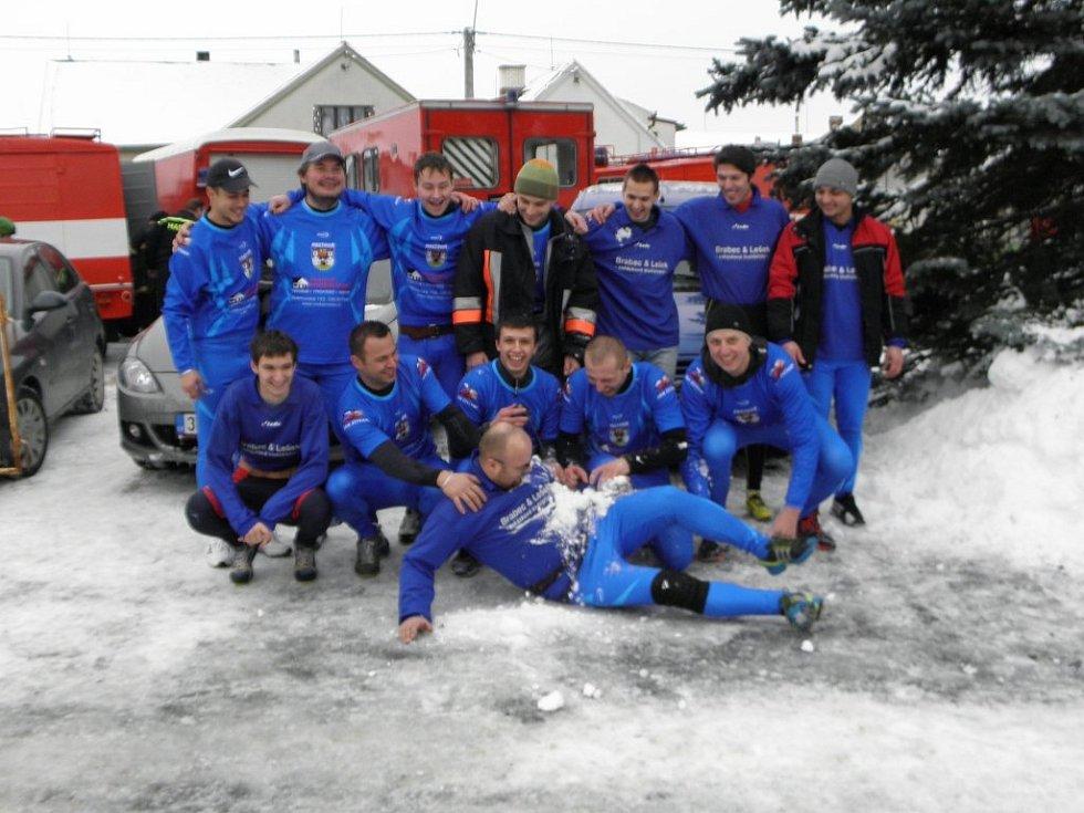 Štítarští hasiči na Ice Cupu v Dolním Hradišti.