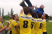 Po skončení zápasu v Třeboni vypukly oslavy. Jiskra Domažlice si s předstihem zajistila právo postupu do ČFL.