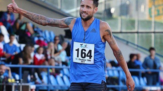 Loni děkoval domácím fanouškům vítěz běhu na 1500 metrů Tamás Kázi. Kdo bude nejrychlejší letos?