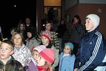 Strážští dobrovolní hasiči připravili 27. října večer pro děti pochod stezkou plnou strašidel.