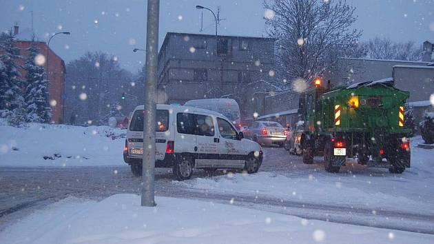 Úklid sněhu stál města a obce mnoho peněz.