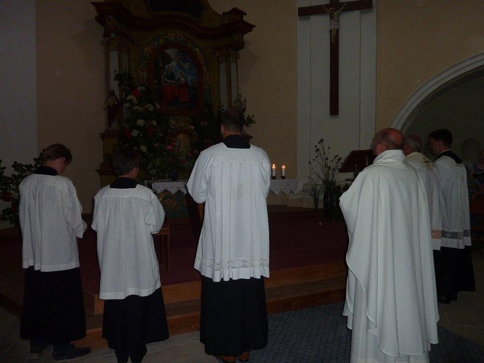 Bohoslužba na Tanaberku.