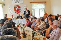 Včelaři z Kolovče a okolí při své jubilejní výroční schůzi