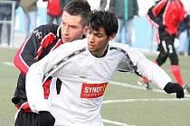 Pavel Javorský (vzadu) ještě v dresu Domažlic v přípravném utkání s FK Tachov. Autor: