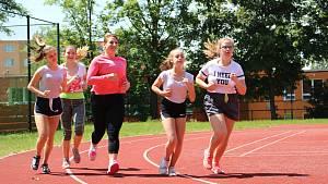 Prvního ročníku charitativního maratonu ZŠ ve Švabinského ulici se zúčastnilo 218 běžců.