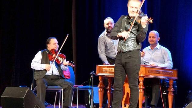 Z koncertu Pavla Šporcla v Domažlicích.