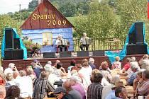 Přírodní amfiteátr za hospodou ve Spáňově bude hostit harmonikáře už po patnácté.