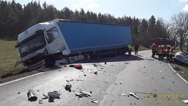 Nehoda uVidic.