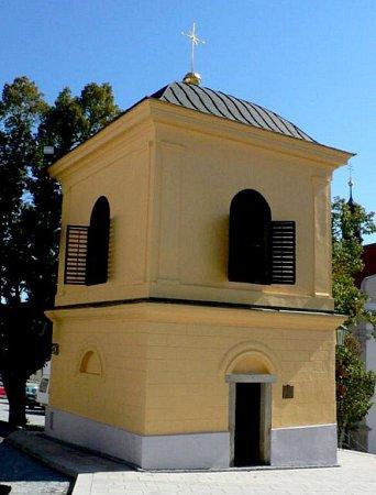 Zvonice na náměstí vHoršovském Týně.