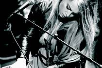 Rakouská zpěvačka Eva Klampfer.