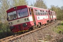 Vlaky se na trať vrátí až za týden. Ilustrační foto