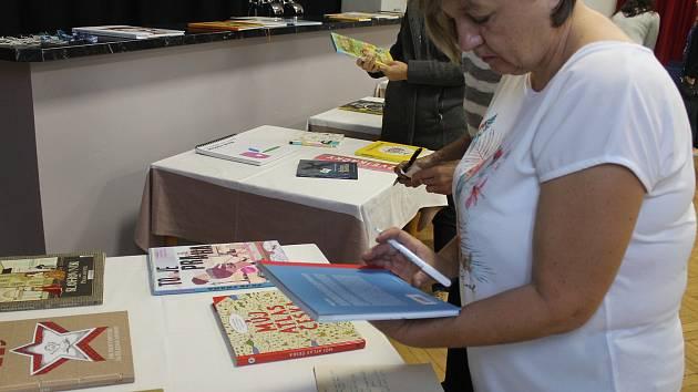 Hana Lavičková přednášela o dětské literatuře.