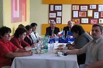 Konferenece k projektu Škola pro praktický život se v poslední dubnový den konala na Střední odborné škole a Středním odborném učilišti v Horšovském Týně.