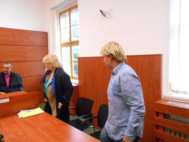 Michal Polívka u domažlického soudu.