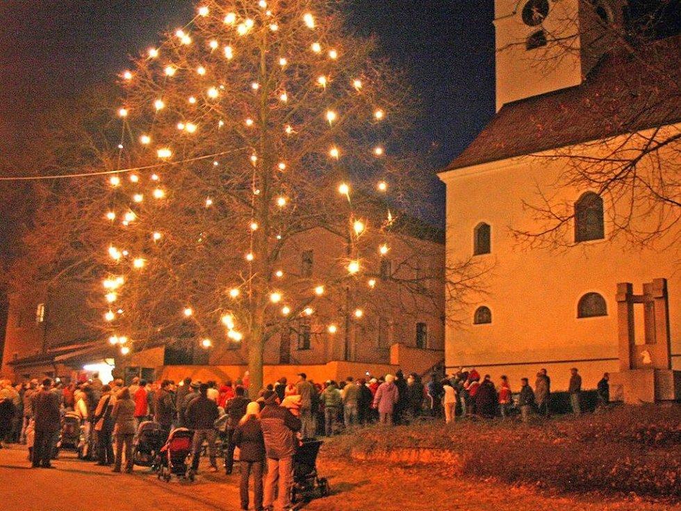 Rozsvěcení vánočního stromu v Mrákově