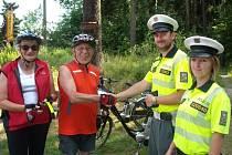 Policisté kontrolovali cyklisty a motocyklisty.