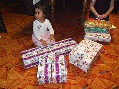 Děti měly ze všech dárků, které jim přinesl Ježíšek, skutečně velkou radost.