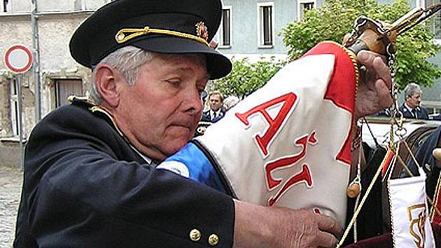 Josef Jírovec, jedenasedmdesátiletý člen SDH Domažlice.