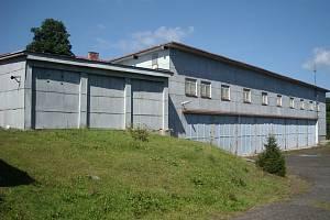 Objekt garáží na Čerchově.
