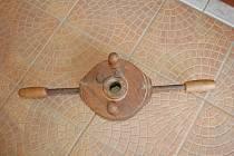 Závitnice na výrobu dřevěných závitů.