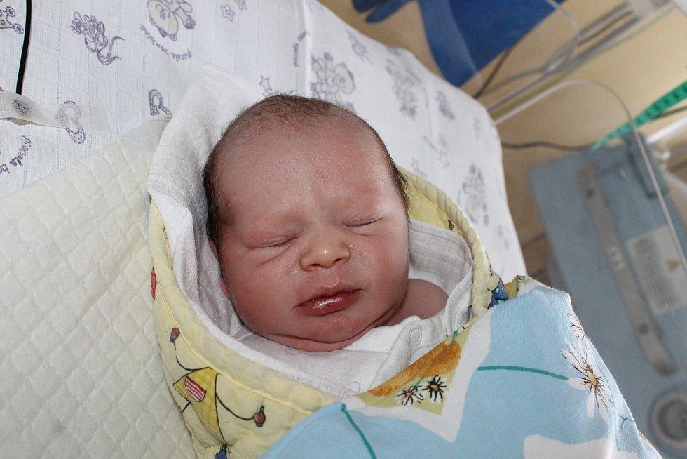 Antonín Hánaz Horšovského Týna se narodil v domažlické porodnici 19. listopadu v 8:57 hodin (3090 g, 51 cm).