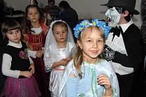 Maškarní karneval pro děti v osvračínském zámku.